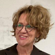 Esther Schnerr